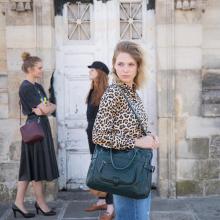 🔥 SOLDES 🔥 Les soldes ont commencé chez Sabrina Paris. Sur quel sac allez-vous craquer ? - Camille en forêt 🌲  #librebelleepanouie #sabrinaparis #welovesabrinaparis