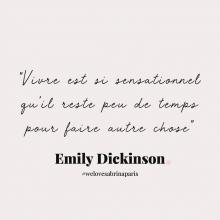 CITATION 💌 - « Vivre est si sensationnel qu'il reste peu de place pour faire autre chose » Emily Dickinson.⠀⠀⠀⠀⠀⠀⠀⠀⠀ TIME TO LIVE ! 🔥⠀⠀⠀⠀⠀⠀⠀⠀⠀ Tous les mardis découvrez une citation de femme forte, une citation qui nous inspire, qui nous tire vers le haut, qui nous booste, qui nous fait sourire.⠀⠀⠀⠀⠀⠀⠀⠀⠀ -⠀⠀⠀⠀⠀⠀⠀⠀⠀ #mardicitation #welovesabrinaparis #femmeforte #emilysickinson
